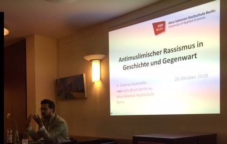 Vortrag Keskinkilic zum Thema Antimuslimischer Rassismus